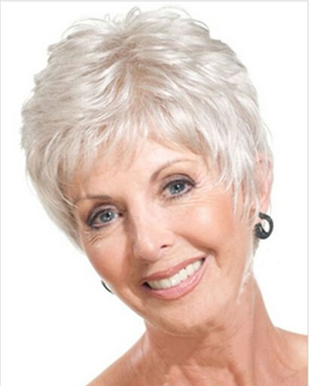 Short Haircuts For Older Women 5