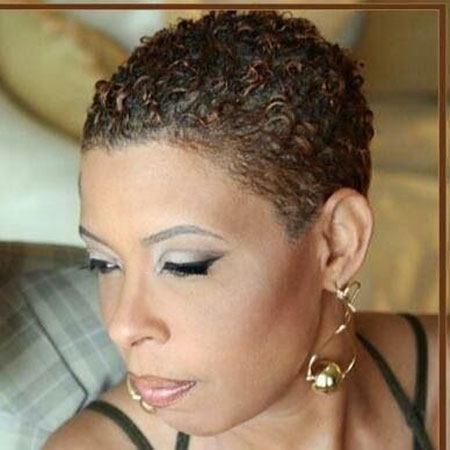 Black Natural Short Hairstyles For Round Faces