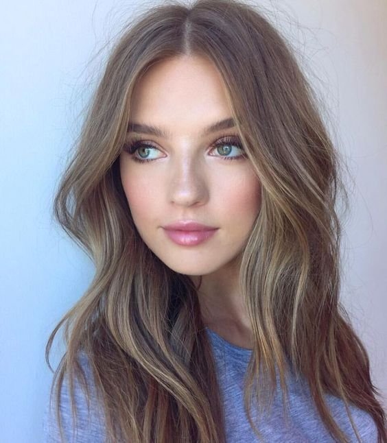 Hairstyles For Round Faces 34