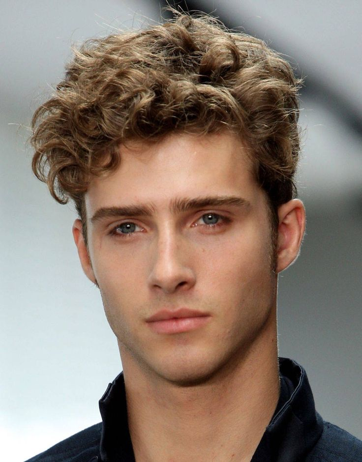 30 Short Curly Hairstyles For Men 2018 Hairstyles Fashion And Clothing