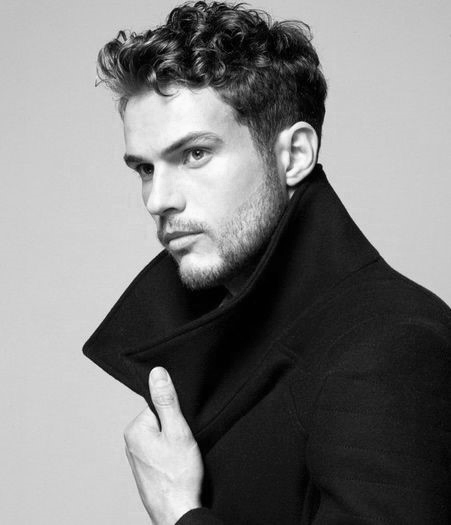 Short Curly Hairstyles For Men 2018 6