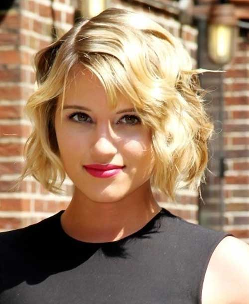 Short Haircuts For Round Faces 21