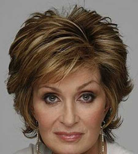 Short Haircuts For Older Women 2018 16