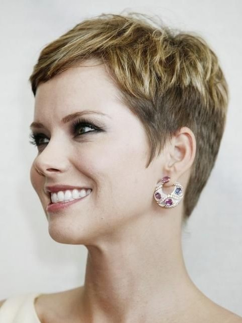 Short Haircuts For Older Women 2018 27