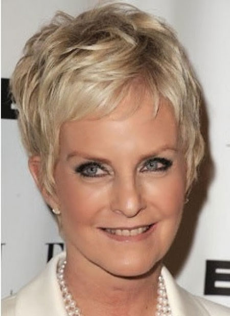 Short Haircuts For Older Women 2018 3