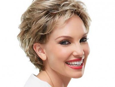 Short Haircuts For Older Women 25