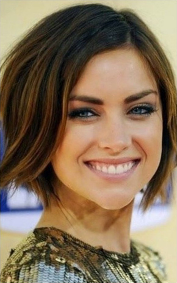 Short Hairstyles For Oval Faces 2018 19
