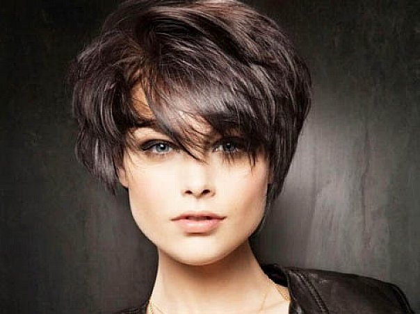 Short Hairstyles For Oval Faces 2018 9
