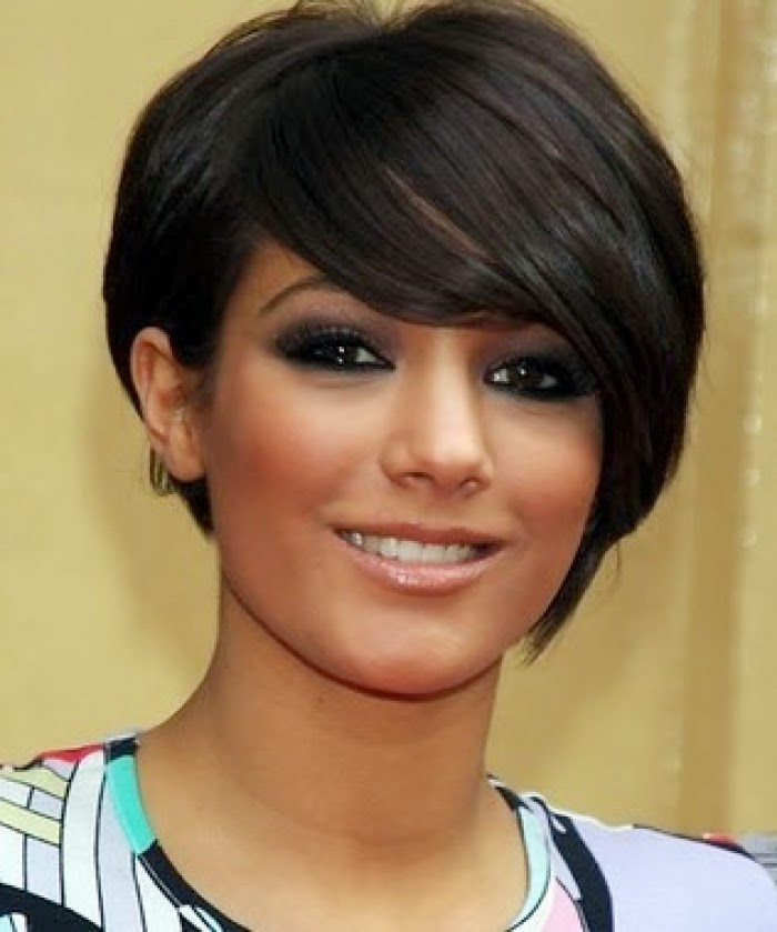 Short Hairstyles For Round Faces 10 Hairstyles Fashion And