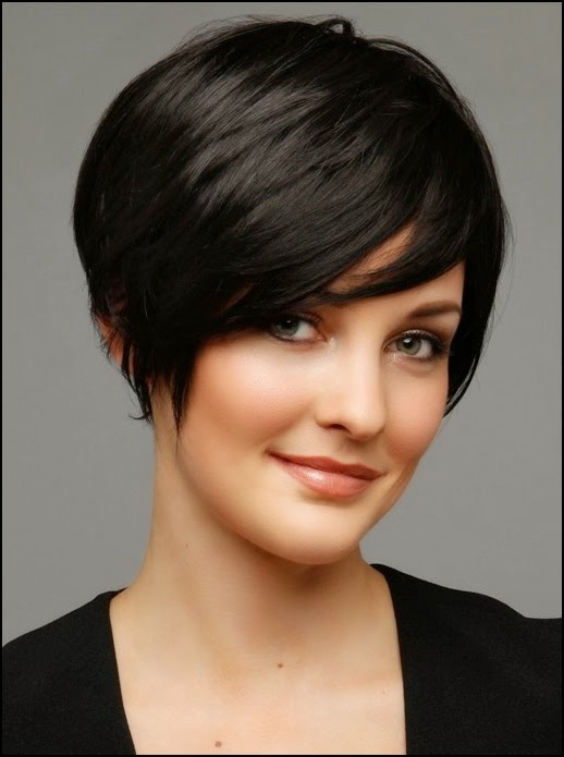 Short Hairstyles For Round Faces 15