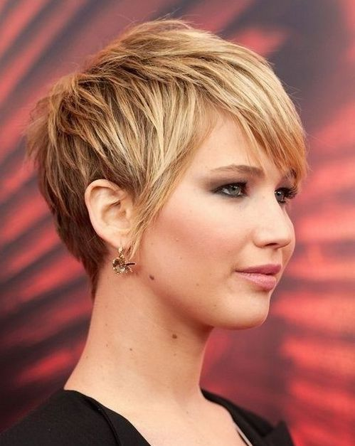 Short Hairstyles For Round Faces 2018 15