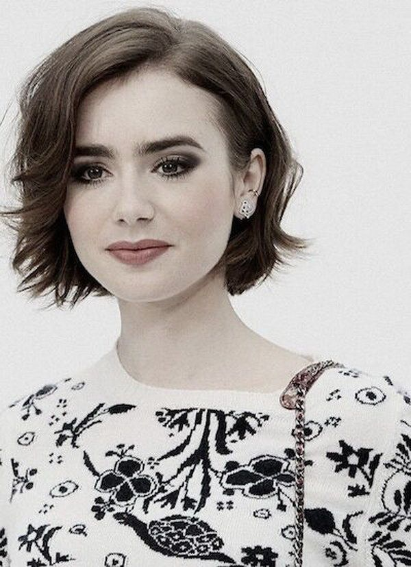 Short Hairstyles For Round Faces 28