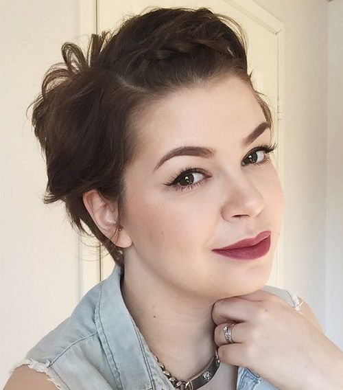 Short Hairstyles For Round Faces 6