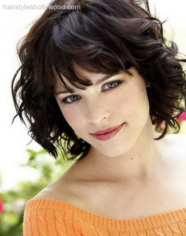 Short Hairstyles For Round Faces 8