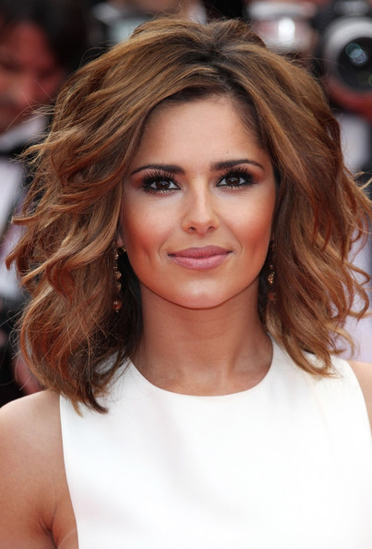 Medium Short Hairstyles Thick Hair Short Medium Haircuts For Thick Hair Hair Styles And Haircut Ideas