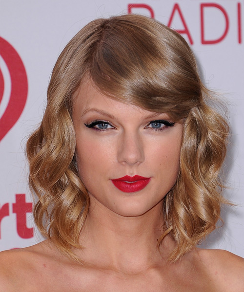 Taylor Swift Hairstyles 2018 16
