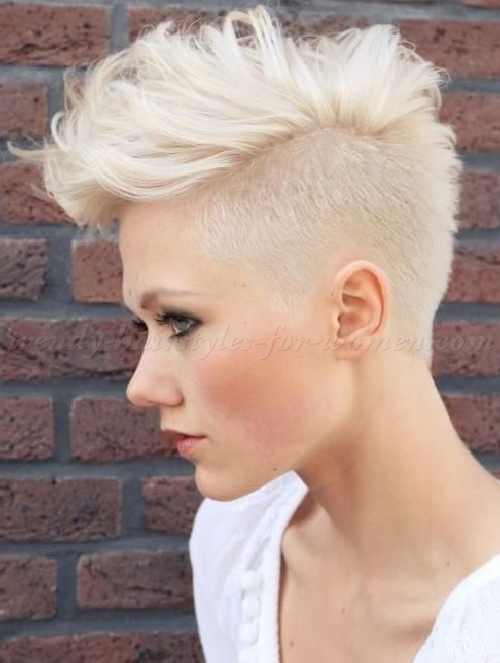 Best Undercut Hairstyles for Women - Hairstyles Fashion and
