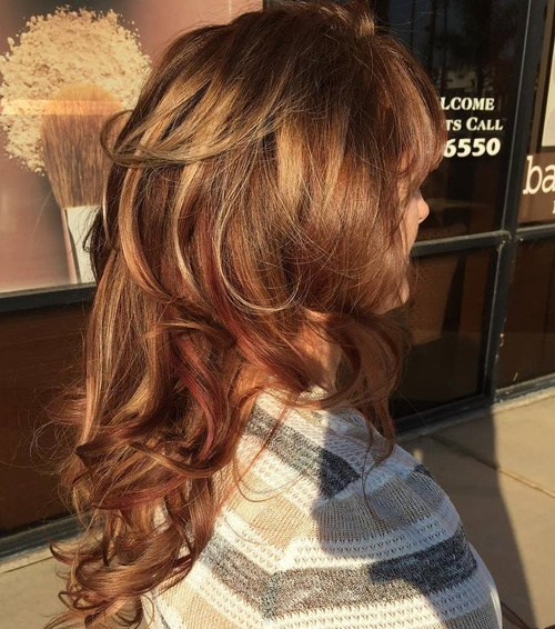 11 Long Layered Curly Hairstyle With Highlights