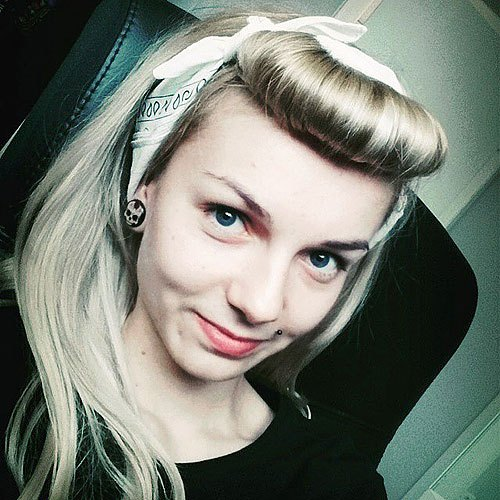 19 Front Roll Half Up Blonde Hairstyle