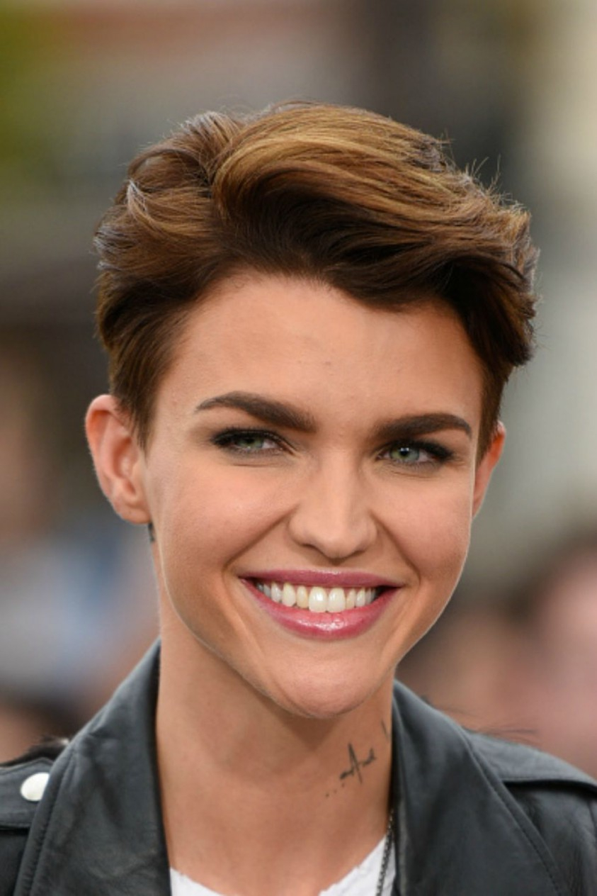 24 Short Hairstyles For Thick Hair 2017 Women's Haircuts For Within Cute Short Hairstyles For Curly Hair