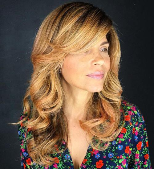 9 Golden Blonde Layered Hairstyle With Side Bangs