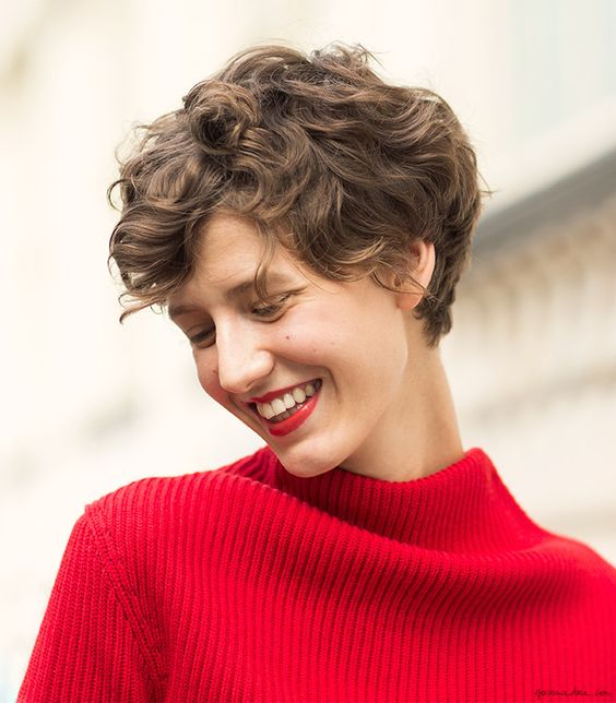 Curly Pixie Cuts 2018 27