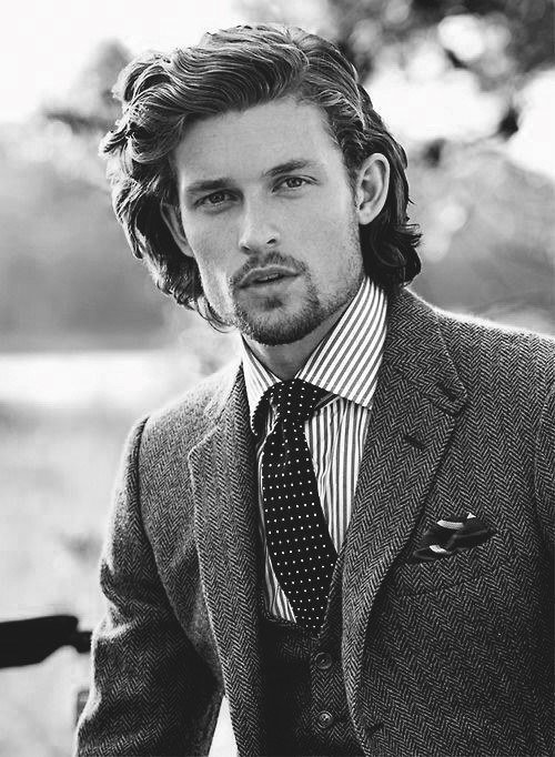 Hairstyles For Long Hair Men 29