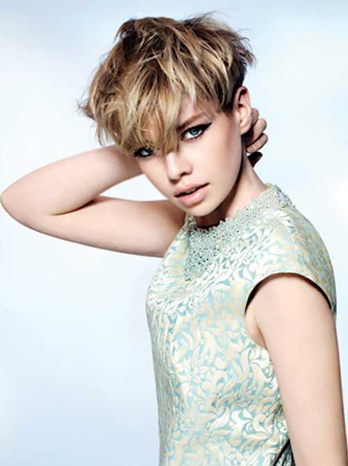 13.Pixie Hairstyle