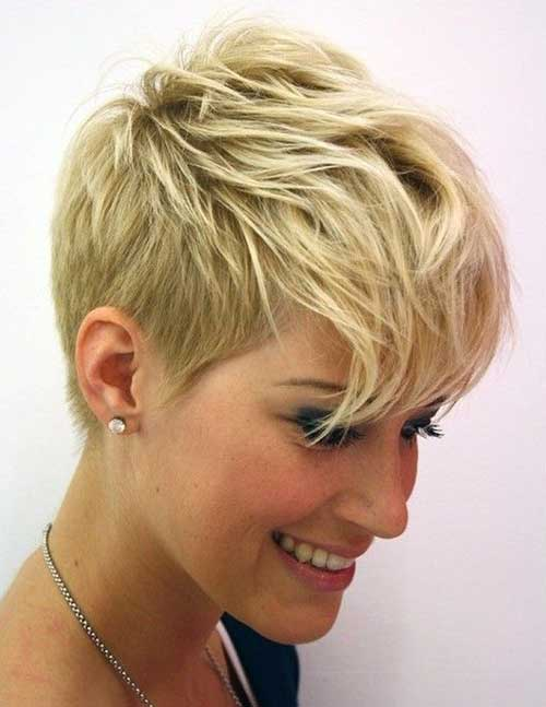 18.Pixie Hairstyle