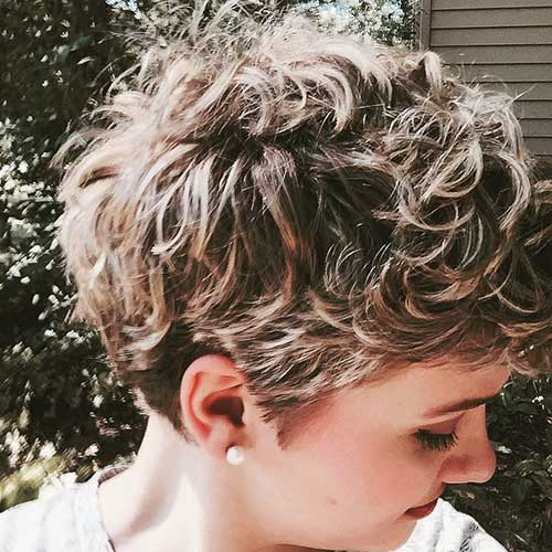 25.Pixie Hairstyle