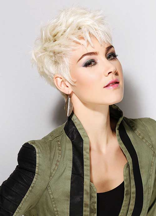 33.Pixie Hairstyle