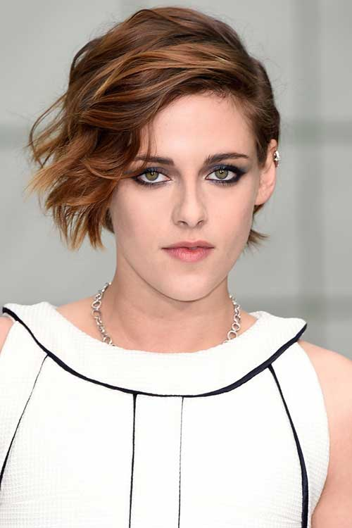 Female Short Haircuts For Wavy Side Bob