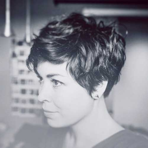 Short Haircuts For Thick Hair 16